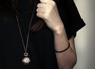 Trendy Quartz Pocket Watch with Hanging Neck Chain for Unisex in Medium Size (Bronze)