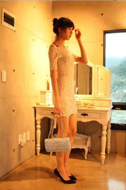 Sexy Lace Boat Neck and Short Sleeves Lined Dress For Women