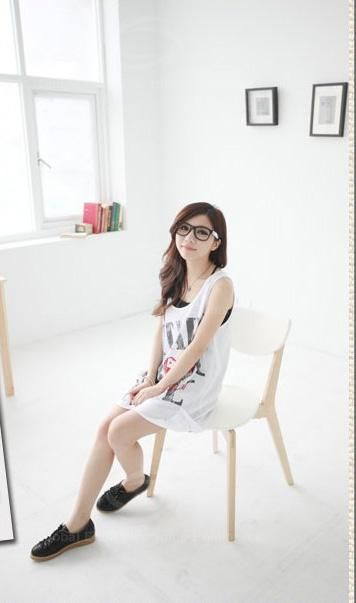 Delicate Scoop Neck Diagonal English Print Color-Match Two-Piece Sleeveless Cotton Blouse For Women