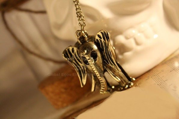 Fashion and Stylish Elephant Shape Pendant Sweater Chain