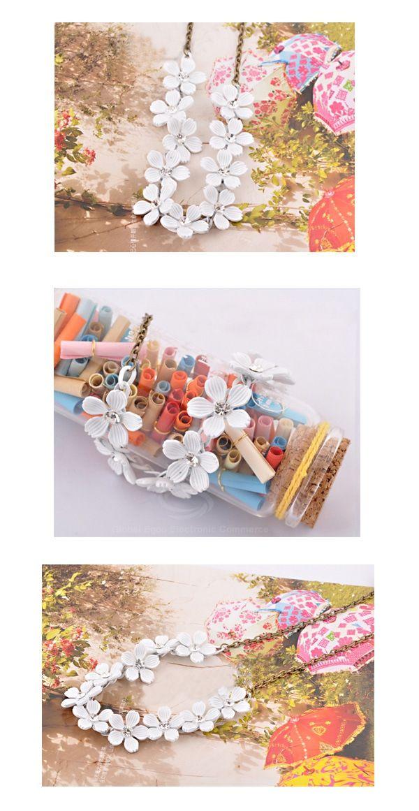 Camellia Pattern Design Necklace