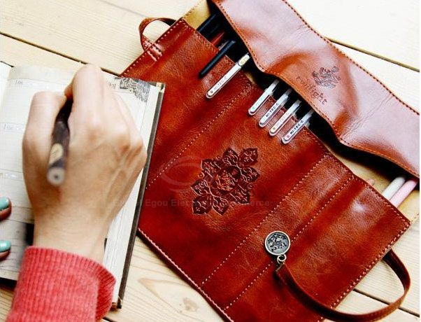 Vintage Cosmetic Foldable Bag Without Brushes For Women