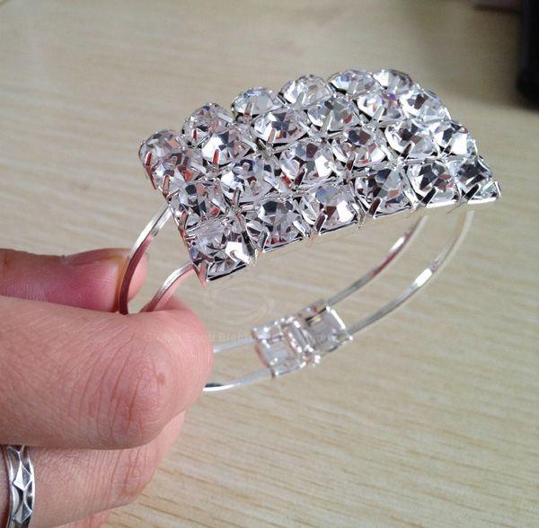 Stylish Stunning Style Rectangle Shape Dazzling Glint Rhinestone Inlaid Bracelet For Women