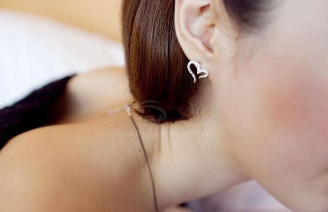 Pair of Rhinestone Inlaid Heart Shape Stud Earrings