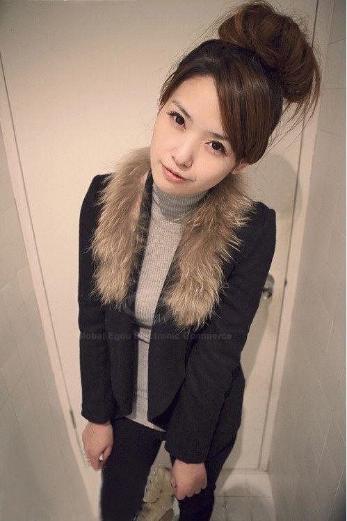 Faux Fur Turndown Collar Woolen Fabric Women's Short Coat