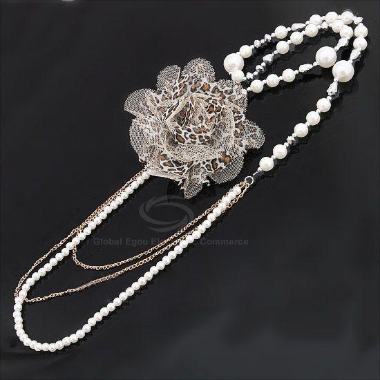 Fashion Style Leopard Pattern Flower Shape Pearl Embellished Sweater Chain For Women
