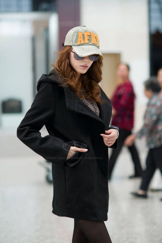 Elegant Hooded Long Sleeve Solid Color Single-Breasted Woolen Women's Coat