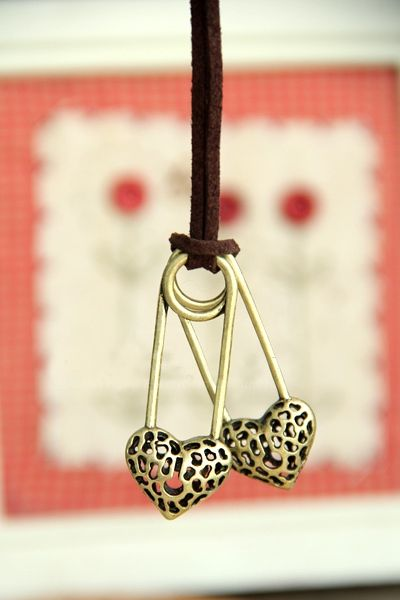 Stylish Romantic Style Double Openwork Heart Shape Design Sweater Chain For Women