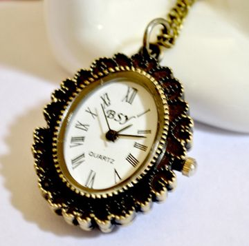 Sweet Elegant Style Carved Rose Flower Pattern Oval Pocket Watch Pendant Sweater Chain For Women