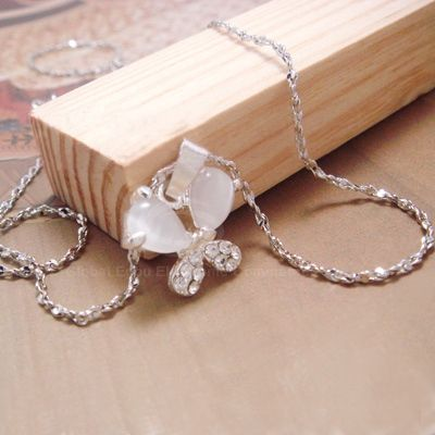 Elegance Graceful Style Rhinestone Embellished Butterfly Shape Women's Necklace