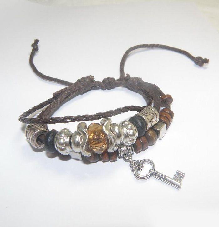 Stylish Retro Style Lock Key Shape Embellished Men's PU Leather Bracelet