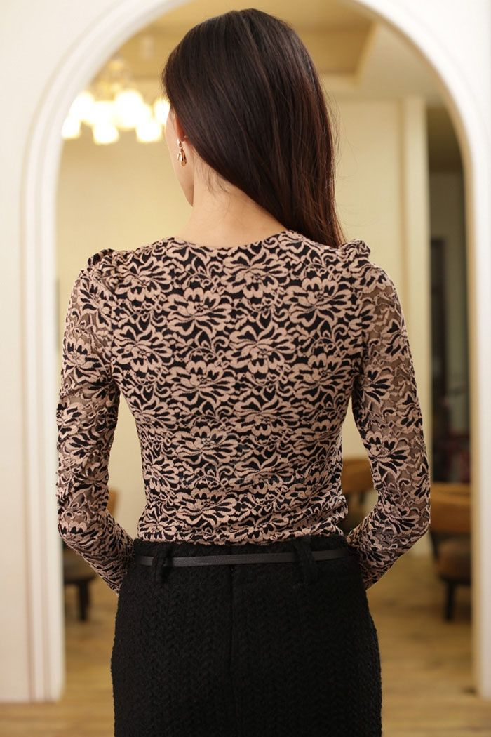 Graceful Round Neck Floral Pattern Long Sleeve Slim Fit Lace Women's T-Shirt
