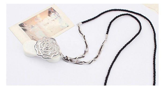 Gorgeous Graceful Style Openwork Rose Flower Shape Crystal Embellished Women's Necklace
