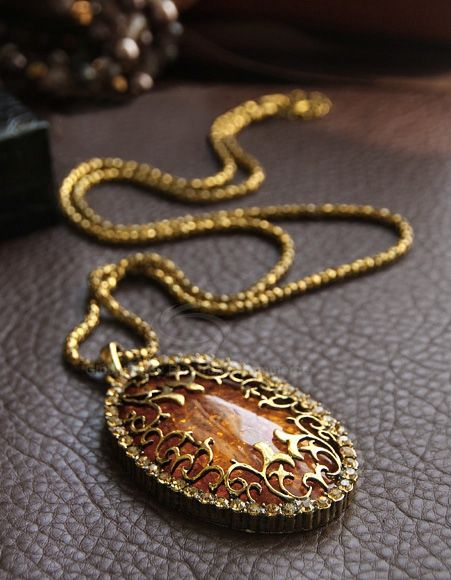 Sweet Fashion Style Amber Oval Shape Pendant Design Women ...
