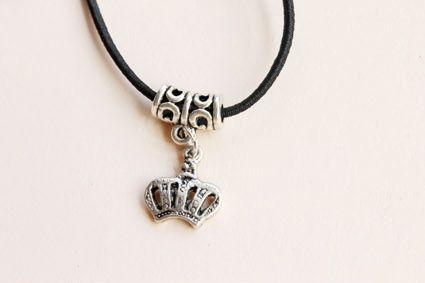 Elastic Crown Shape Pendant Embellished Necklace