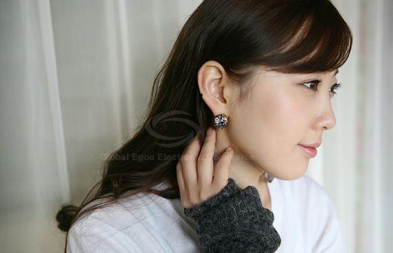 Pair of Sweet Rhinestone Embellished Women's Stud Earrings