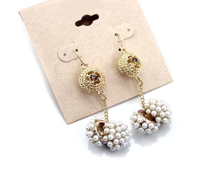 Pair of Exquisite Style Beads Embellished Women's Earrings