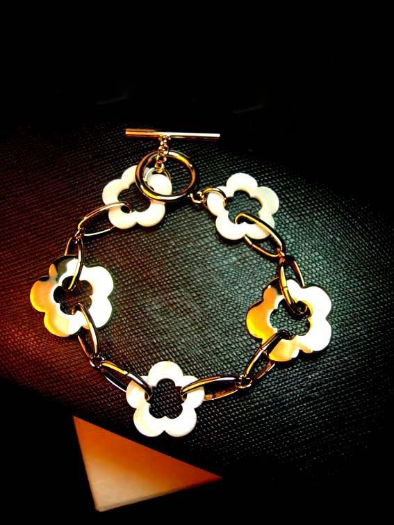 Hollow Out Flower Shape Alloy Bracelet