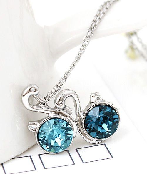 Elegant Swan Shape Crystal Pendant Women's Necklace