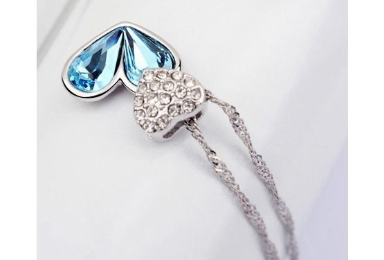 Alloy Rhinestoned Heart Decorated Pendant Necklace