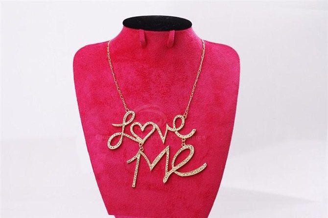 Fashion Rhinestoned Love-Me Pendant Women's Necklace