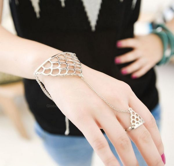 Punk Style Fish Scale Shape Bracelet With Ring