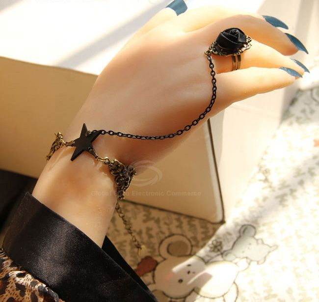 Punk Five Point Star Decorated Alloy Bracelet with Flower Ring