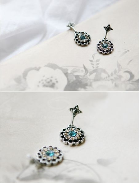 Alloy Rhinestone Embellished Waterdrop Shape Earrings