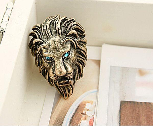 Rhinestone Lion Shaped Ring