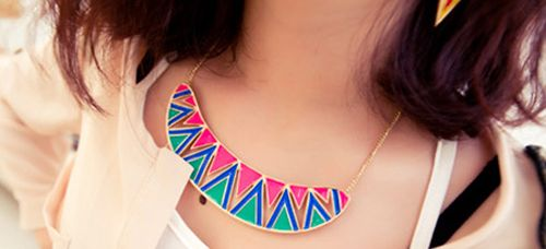 StatementTriangle Patterns Crescent Shape Sweater Chain Necklace