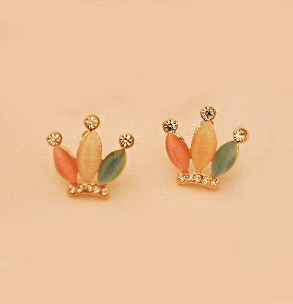 Pair of Alloy Rhinestoned Crown Shape Stud Earrings