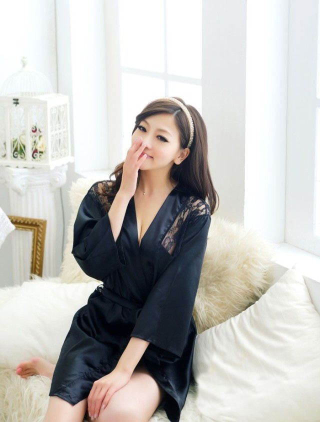 Lace Splicing 3/4 Sleeves V-Neck Sexy Style See-Through Lace Women's Sleepwear