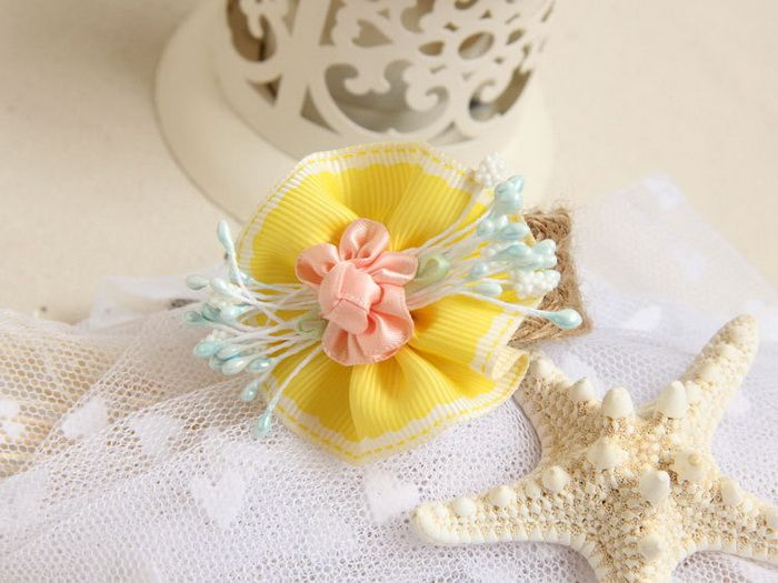 Flower Embellished Flax Charm Bracelet