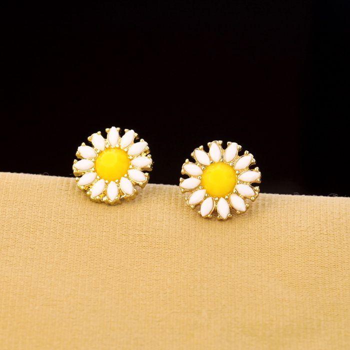 Faux Gem Daisy Stud Earrings