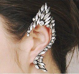 ONE PIECE Statement Rhinestoned Clip Earring