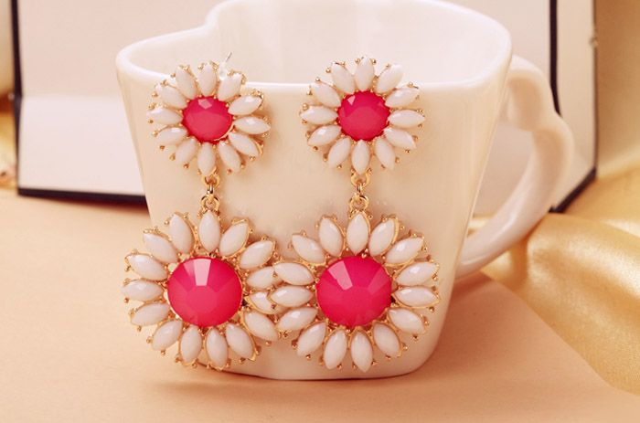 Colored Daisy Shape Drop Earrings