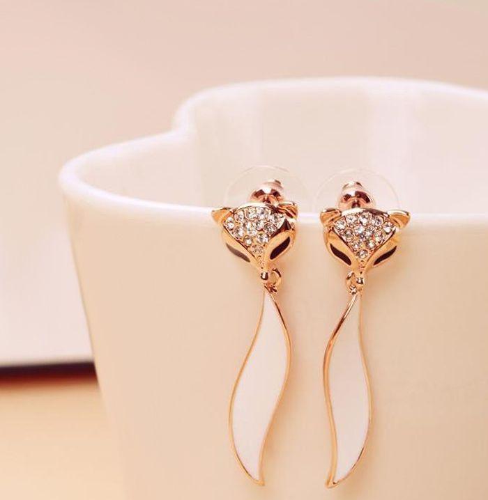 Pair of Rhinestoned Fox Shape Earrings