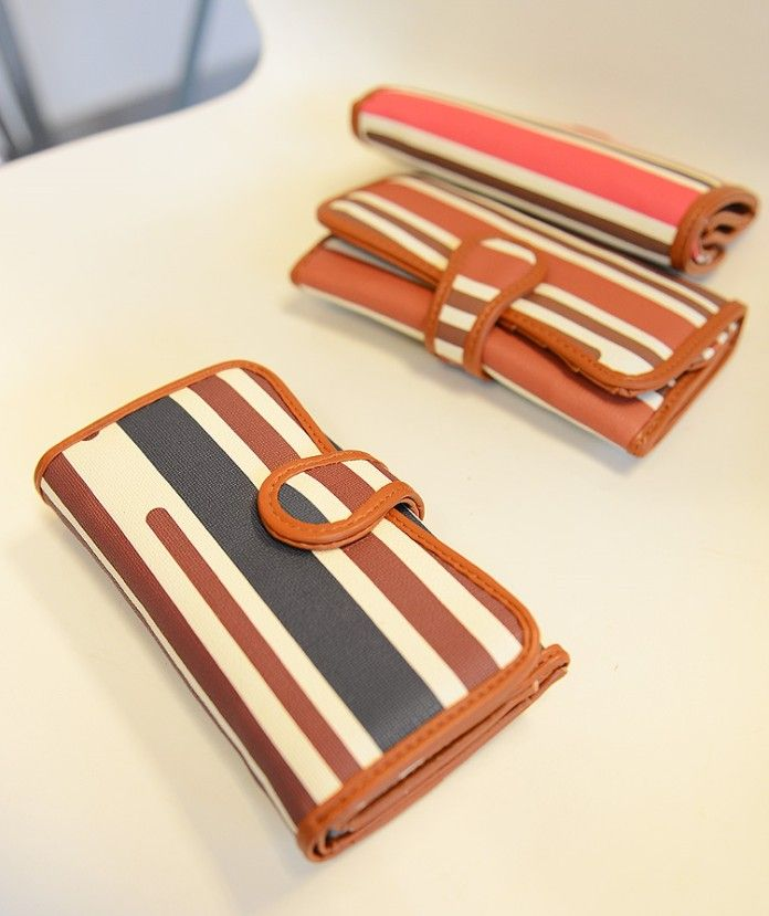 http://www.dresslily.com/stripes-and-pu-leather-design-cluth-wallet-for-women-product507097.html