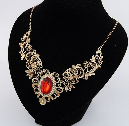 Openwork Flower Carved Faux Gem Decorated Necklace