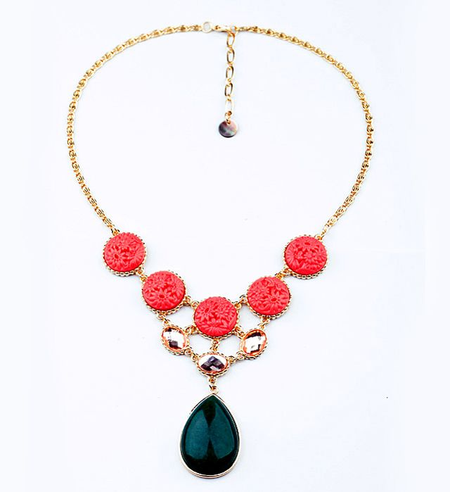 Exquisite Carved Flower Embellished Stone Pendant Alloy Necklace For Women