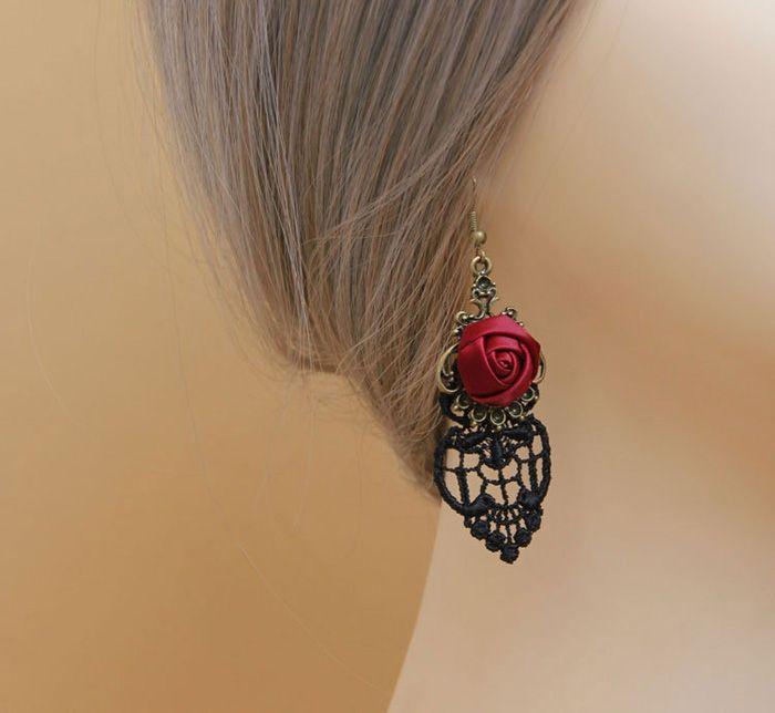 Pair of Retro Flower Openwork Drop Earrings