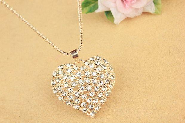 Cute Rhinestone Heart Pendant Women's Sweater Chain Necklace