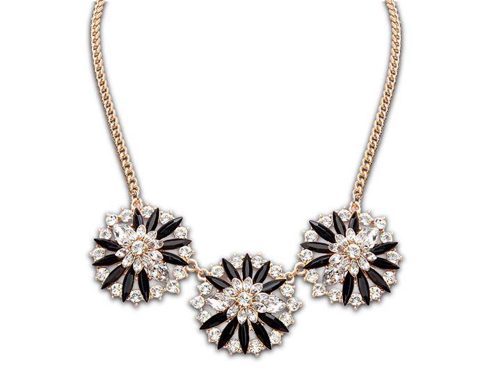 Gorgeous Diamante Round Pendant Alloy Necklace For Women