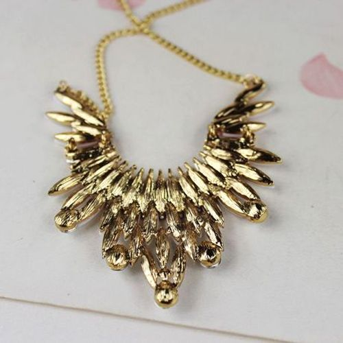 Characteristic Rhinestoned Alloy Necklace For Women