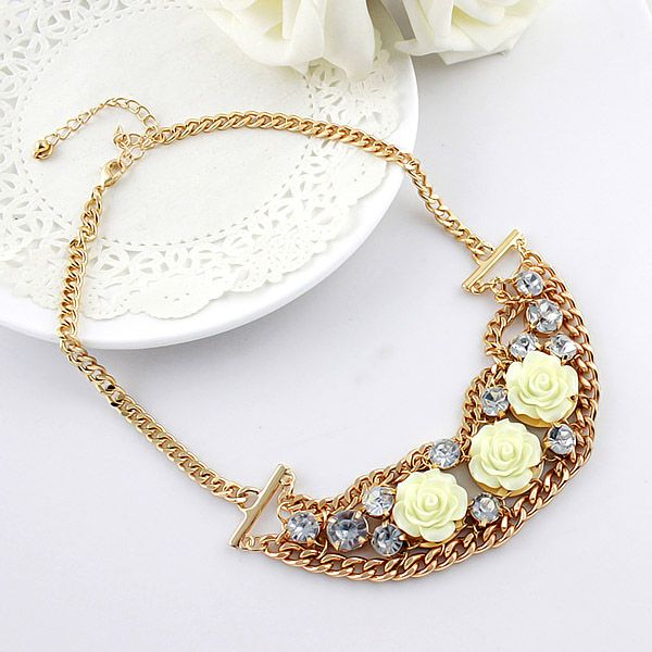 Alloy Resin Flower Shape Pendant Necklace