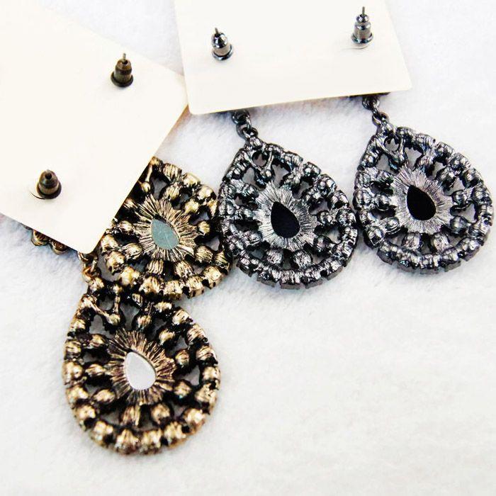Pair of Rhinestone Water Drop Flower Earrings