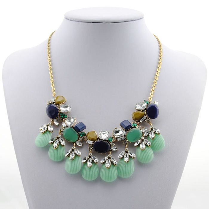 Alloy Diamante Shell Pendant Necklace