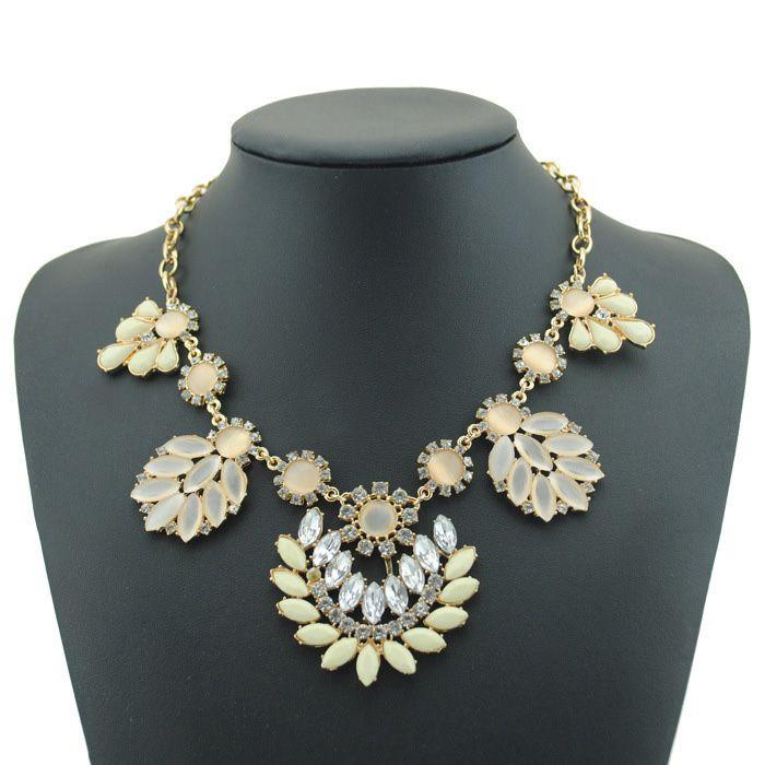 Bohemia Flower Pendant Alloy Necklace