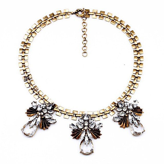 Vintage Waterdrop Faux Crystal Alloy Pendant Necklace