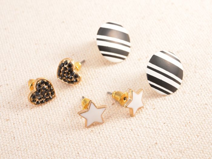 3 Pairs of Retro Heart Star and Round Stud Earrings